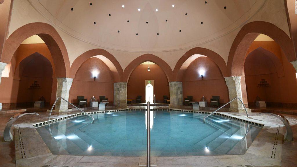 Veli Bej- Csaszar Baths - Budapest Travel